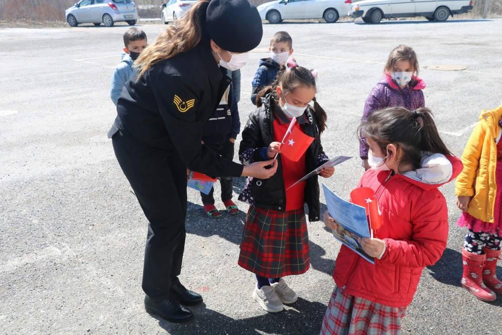 Jandarma'dan Yozgatlı miniklere en özel hediye 3