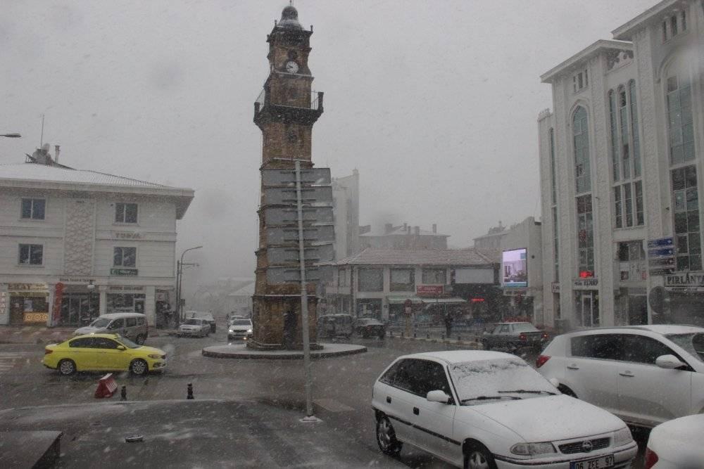 Mart ayında yağan karla birlikte Yozgat'ta göz gözü görmedi 1