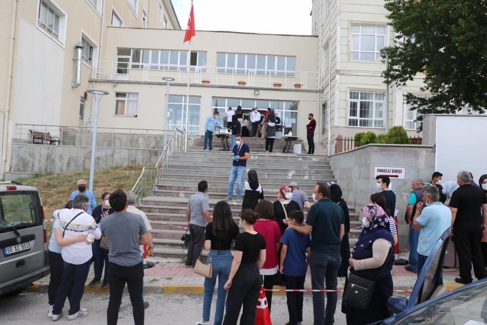 Yozgat'ta binlerce öğrenci TYT'de ter döktü 3