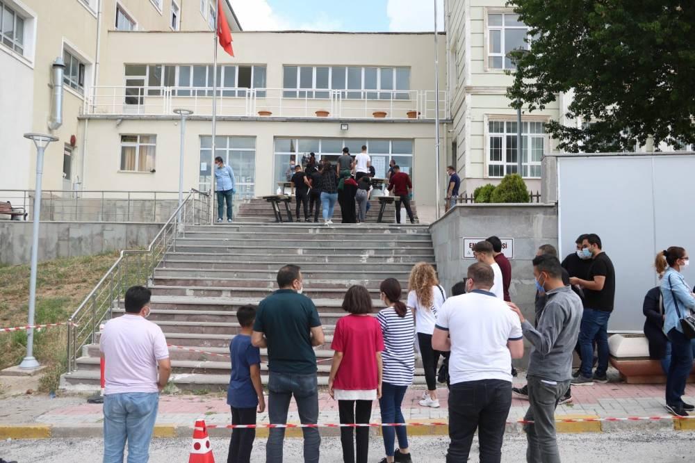 Yozgat'ta binlerce öğrenci TYT'de ter döktü 5
