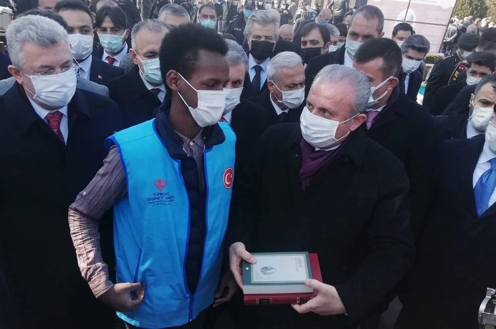 Türkiye Diyanet Vakfı Kur'an-ı Kerim ve Safahat dağıttı 3