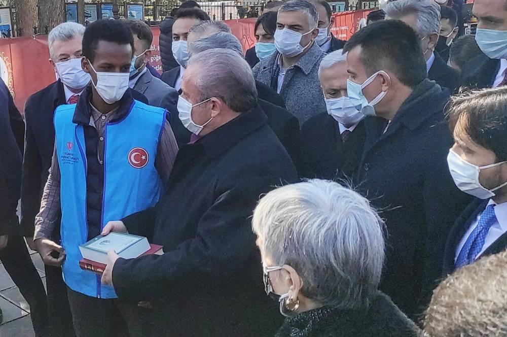 Türkiye Diyanet Vakfı Kur'an-ı Kerim ve Safahat dağıttı 6
