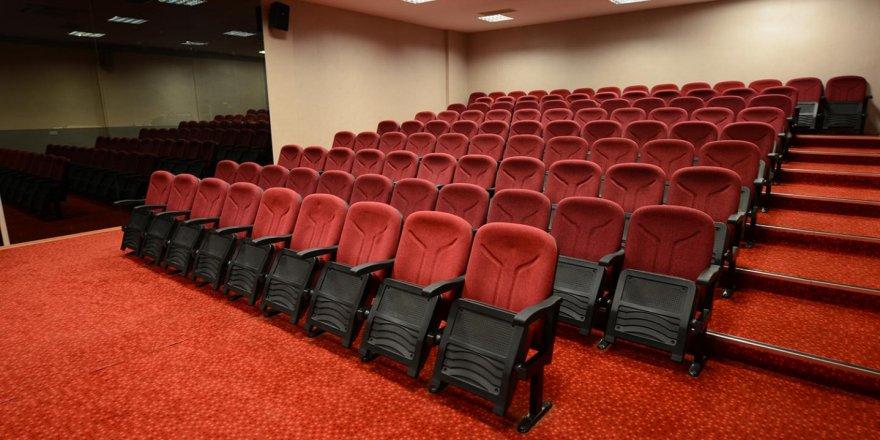 Yozgat'ta sinema salonları faaliyetleri ertelendi