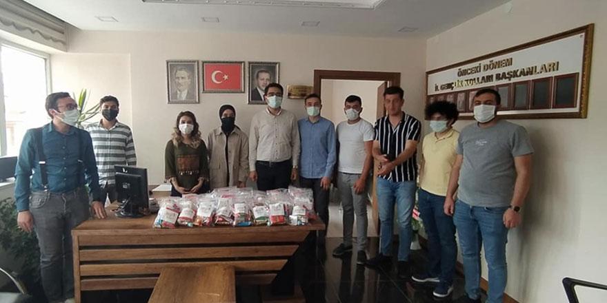 Ak Parti Yozgat gençliği miniklerin gönlünü fethetmeye devam ediyor