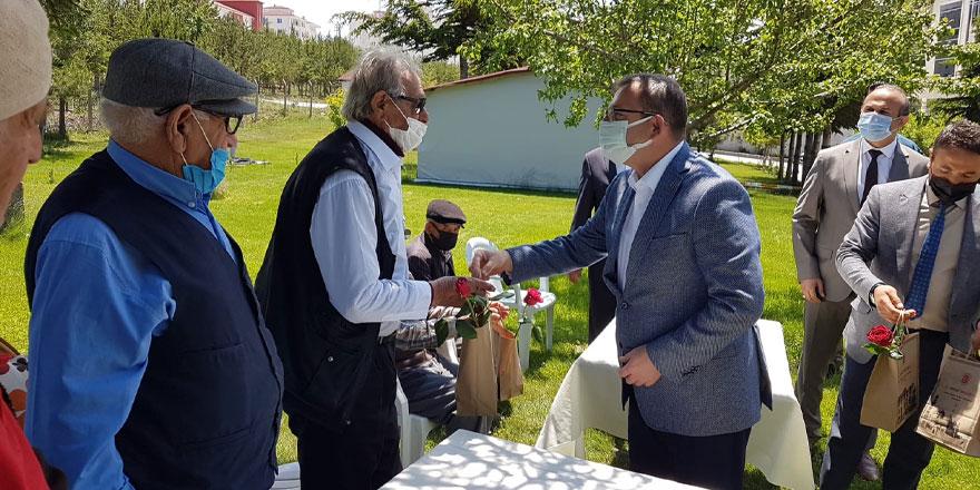 Vali Polat, Yozgat'ın ulu çınarlarını unutmadı