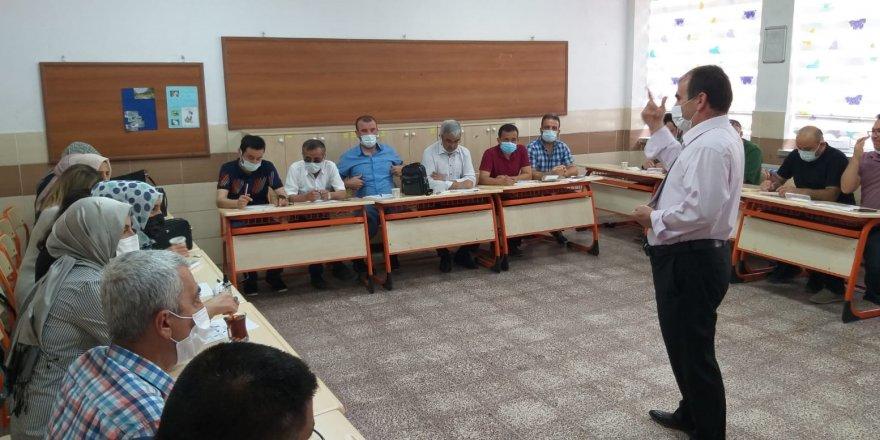 Prof. Dr. Mustafa Böyükata çocuklarla bir araya geldi
