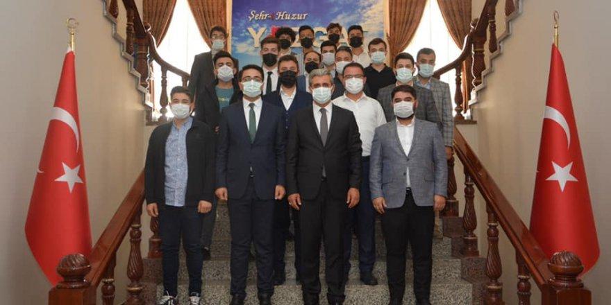 Ak Parti Yozgat Gençlik Kolları Başkanlığı'ndan Başkan Köse'ye ziyaret