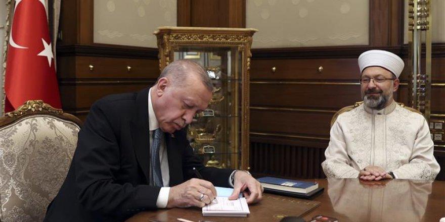 Cumhurbaşkanı Erdoğan, kurban vekaletini Türkiye Diyanet Vakfı'na verdi
