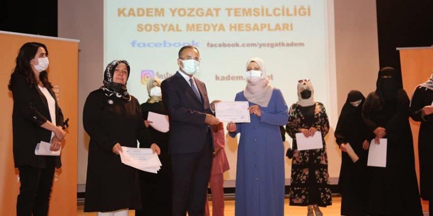 Başarıyla tamamlayanlara sertifikalar törenle verildi