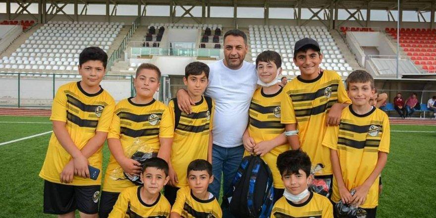 Sorgun Belediye Başkanı Ekinci: 500 çocuğumuza futbol eğitimi veriyoruz