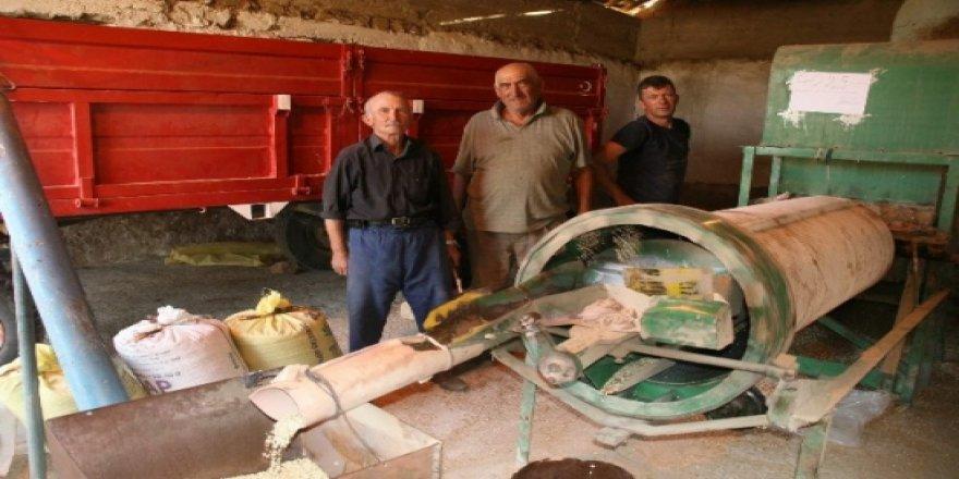 Yozgat'ta çiftçiler gece gündüz demeden çalışıyor