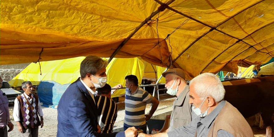 Yozgat Belediye Başkanı Köse kurban pazarını gezdi