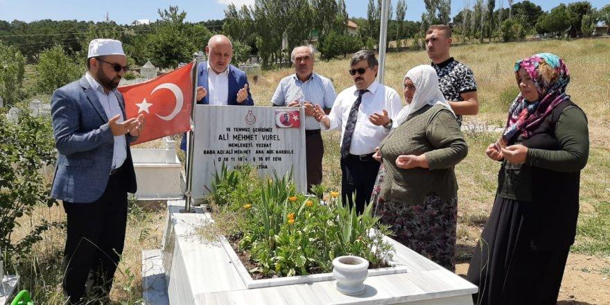 15 Temmuz şehitleri Yozgat'ta kabirleri başında dualarla anıldı
