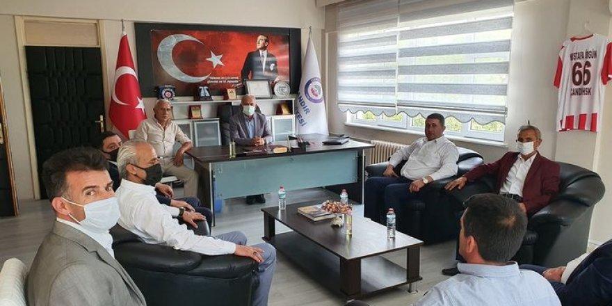 MHP Yozgat Millvetvekili Sedef'ten Ak Partili Belediye Başkanına ziyaret