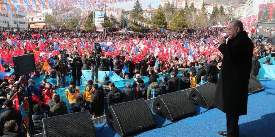 Ak Parti 20 yaşında! Yozgatlı siyasetçiler ne paylaşımda bulundu?