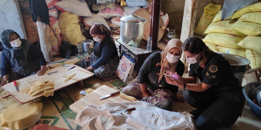 Yozgat'ta Jandarma köy köy gezip anlatıyor