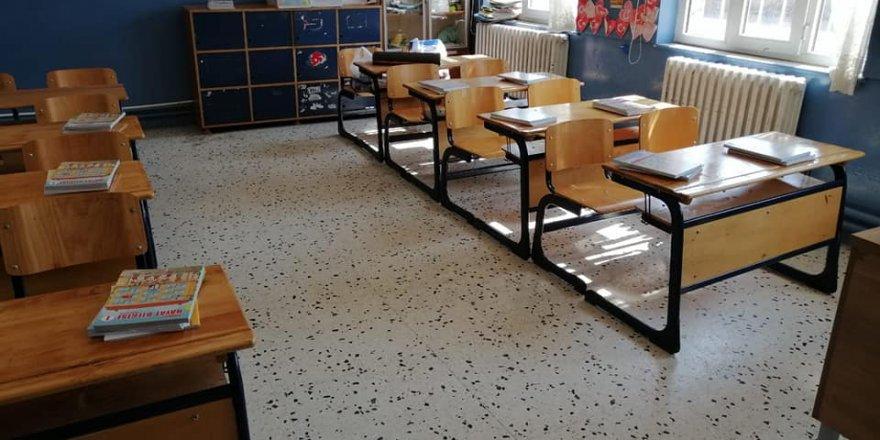 Ders kitapları öğrencileri bekliyor