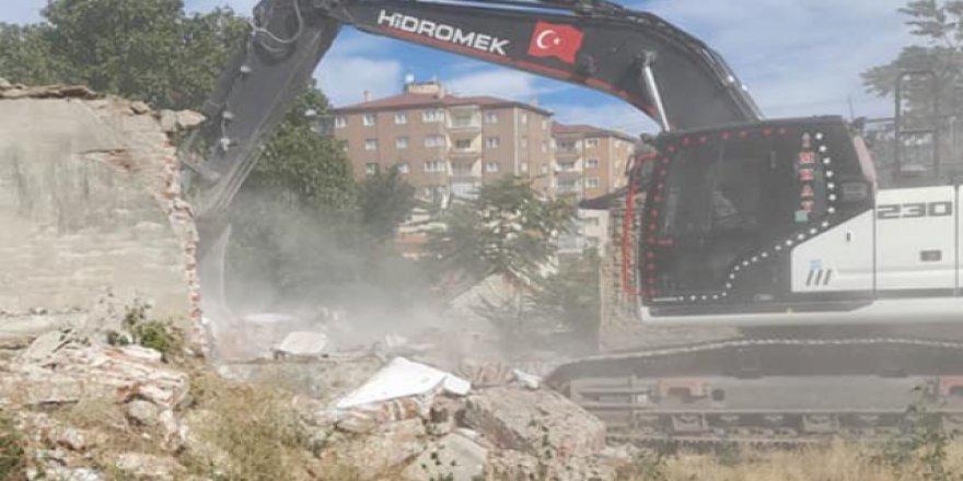 Yozgat Belediyesi harekete geçti! Tek tek yıkılıyor