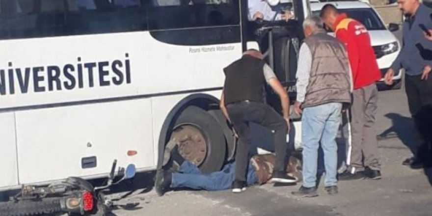 Yozgat'ta feci kaza! Motosiklet sürücüsünü altına alarak sürükledi