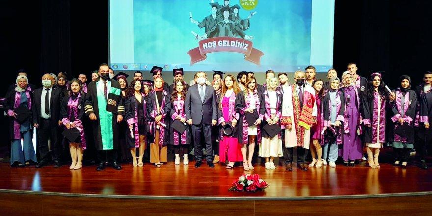 Yozgat Bozok Üniversitesi'nde iki ayrı mezuniyet sevinci
