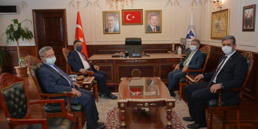 Bakan Yardımcısı Nebati'den Yozgat Belediye Başkanı Köse'ye ziyaret