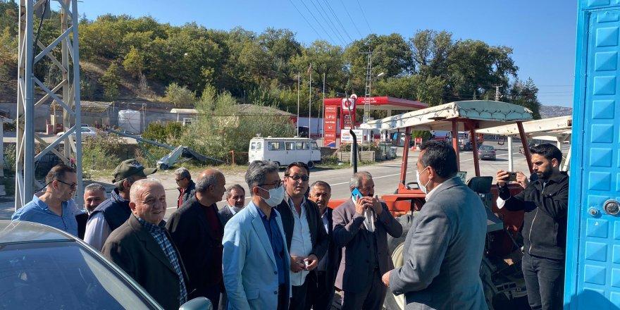 Taner Demirer, Yozgat'ta vatandaşların sorun ve isteklerini dinledi