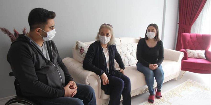 Vali Polat'ın eşi Pınar Filiz Polat'tan Yozgatlı gaziye ziyaret