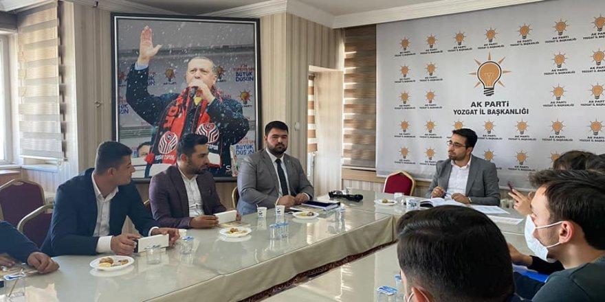 Ak Parti Yozgat gençlik kollarından istişare toplantısı