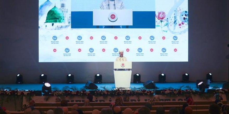 2021 Yılı Mevlid-i Nebi Haftası'nın açılış programı İstanbul'da yapıldı
