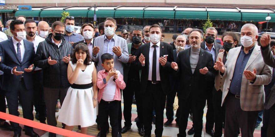 Galata Etli Ekmek ve Dönercisi Yozgat'ta dualarla açıldı