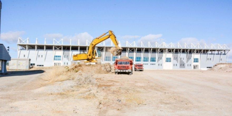 Sorgun'da spor tesislerinin çevre düzenlemesi başladı