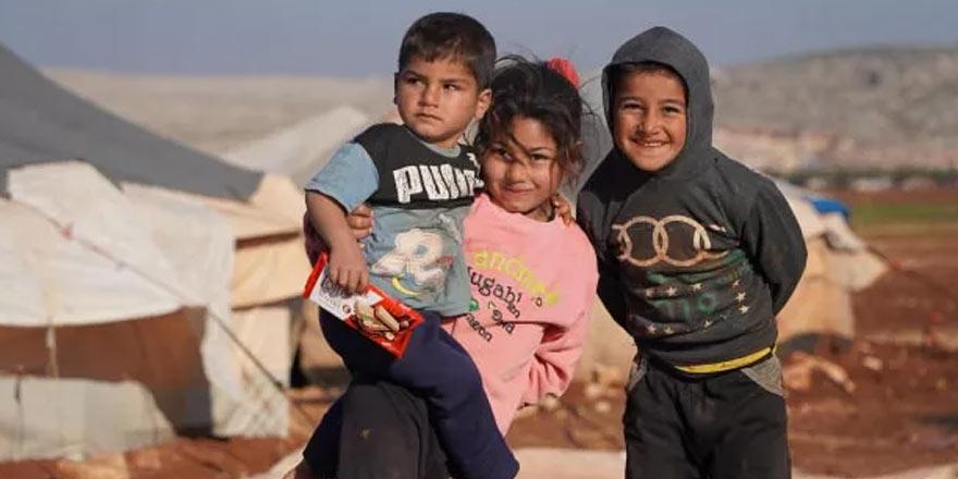 İç savaşın zor şartları Suriyeli çocuklar için oyun oluyor
