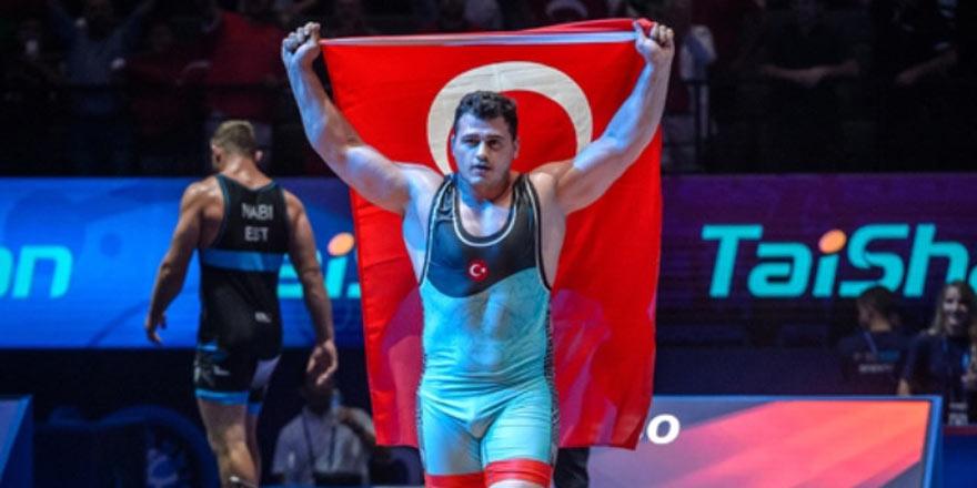 Rıza Kayaalp tüm Türkiye'yi sevindirdi!
