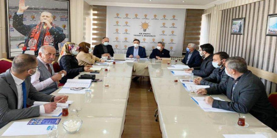 AK Parti Yozgat İl Başkanlığı'nda istişare toplantısı yapıldı