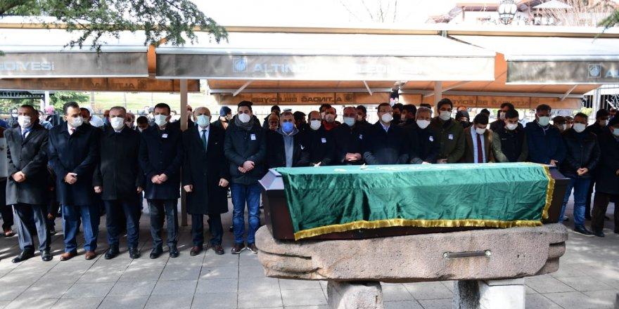 OzanYusuf Polatoğlu son yolculuğuna uğurlandı! Nuri Pakdil'in yanına defnedildi