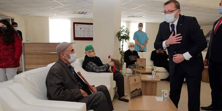 Yozgat Valisi Polat: Yaşlılarımız her zaman başımızın tacıdır