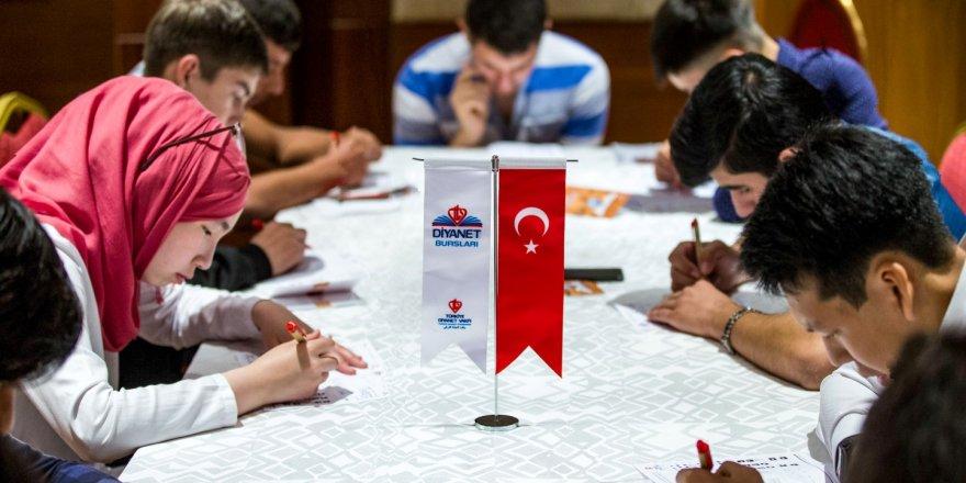 Türkiye'de eğitim görmek için 105 ülkeden 6689 öğrenci başvuruda bulundu