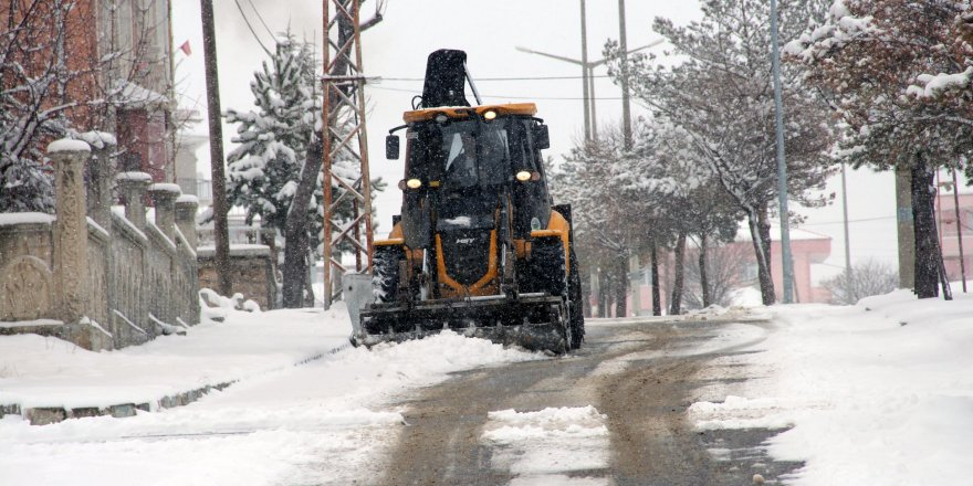 Yozgat'ta belediyelerin kar mesaisi