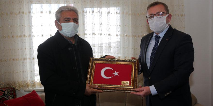 Yozgat Valisi Polat, Şehit Bayram Karadaş'ın baba ocağında