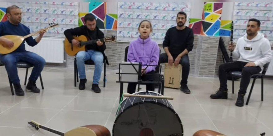Yozgatlı küçük Saliha Ebrar destek bekliyor
