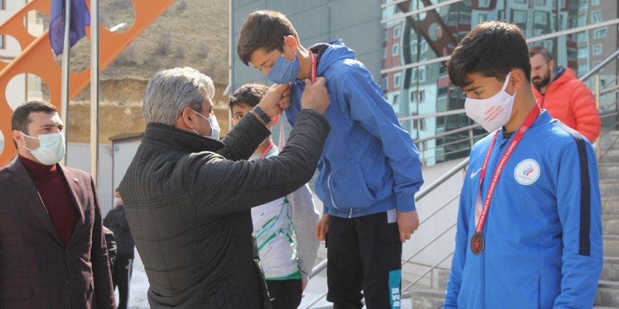 Yozgat'ta dereceye girenlere madalya