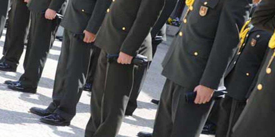 Hükümete karşı bildiri hazırlayan 103 emekli amirale sert tepki! Sosyal medyada yüz binlerce tweet atıldı