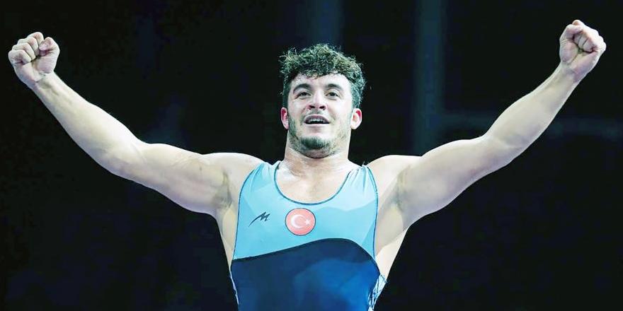 Yozgatlı GüreşçiBeytullah Kayışdağ Türkiye Şampiyonu oldu