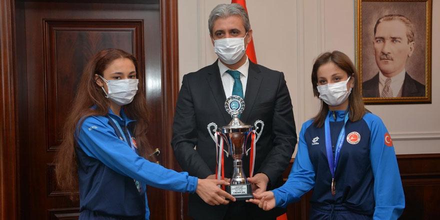 Yozgat'ın gururu şampiyonlar el üstünde