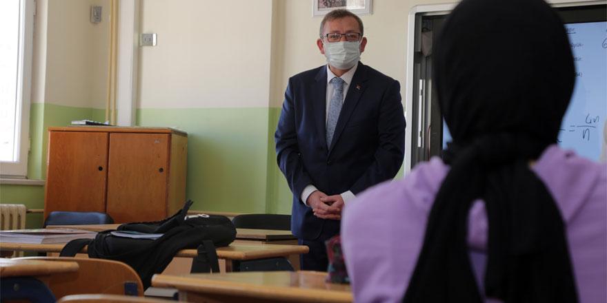 Yozgat Valisi Polat'tan öğrencilere nasihat