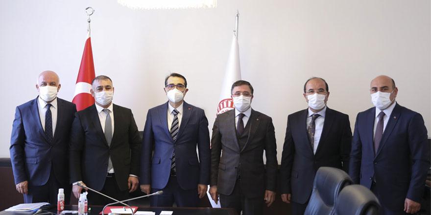 Ak Parti Yozgat Milletvekili Başer'den Bakan Dönmez'e ziyaret