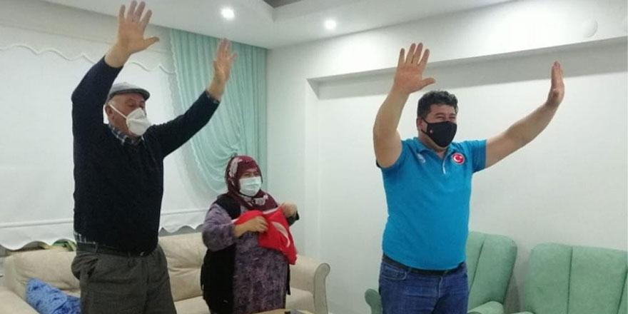 Avrupa Şampiyonu Rıza Kayaalp mutluluk sevincini ailesiyle paylaştı