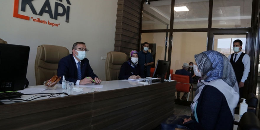 Yozgat Valisi Polat vatandaşı dinledi